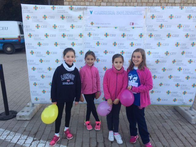 Unas preciosas niñas preparadas para la V Carrera Solidaria CEU