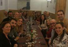 Los profesores de Fisioterapia en la tradicional cena navideña del Departamento