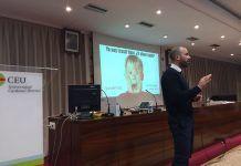 Vicente Lloret en la charla impartida recietemente en la UCH-CEU sobre salidas profesionales para Fisioterapia