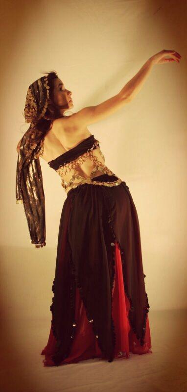 La autora de este post, practicando la danza