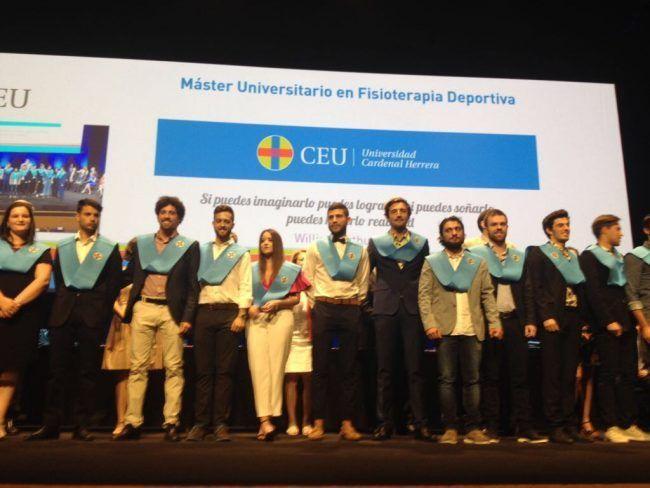 Los alumnos del Master de Fisioterapia Deportiva 2016-17 de la CEU Cardenal Herrera reciben sus becas