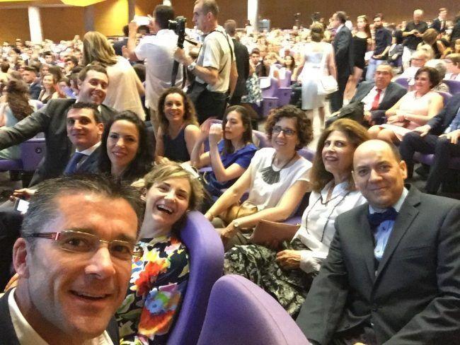 Los profesores de Fisioterapia y de Enfermería de la UCH disfrutaron de lo lindo en la ceremonia de Graduación 2017