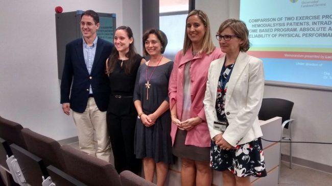 Lucía Ortega sonríe satisfecha tras la exitosa defensa de su tesis doctoral