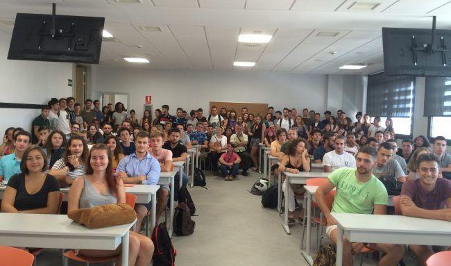 Un centenar y medio de alumnos de Fisioterapia participaron en la Jornada de Bienvenida de la UCH