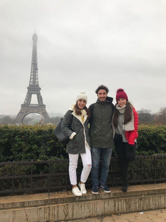 Los alumnos de la CEU-UCH Isabella Ruiz, Alejandro Lamuela y Sara Monleón de turismo por París