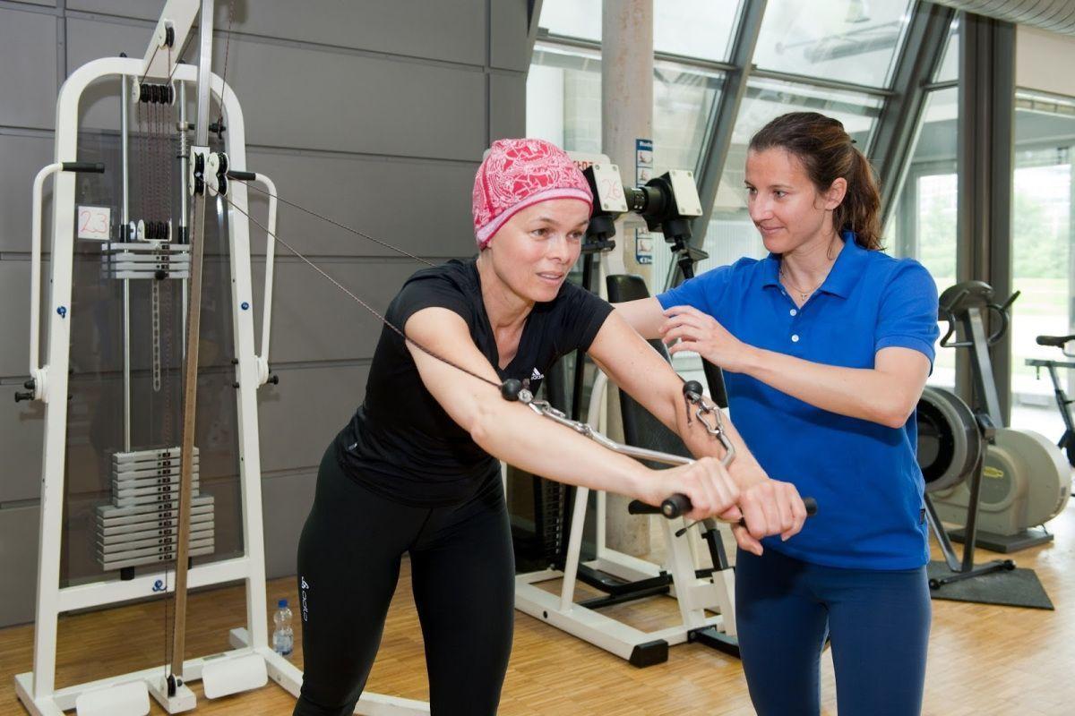Día Mundial del Cáncer. La Fisioterapia puede combatirlo (FOTO Daniel Estacio)