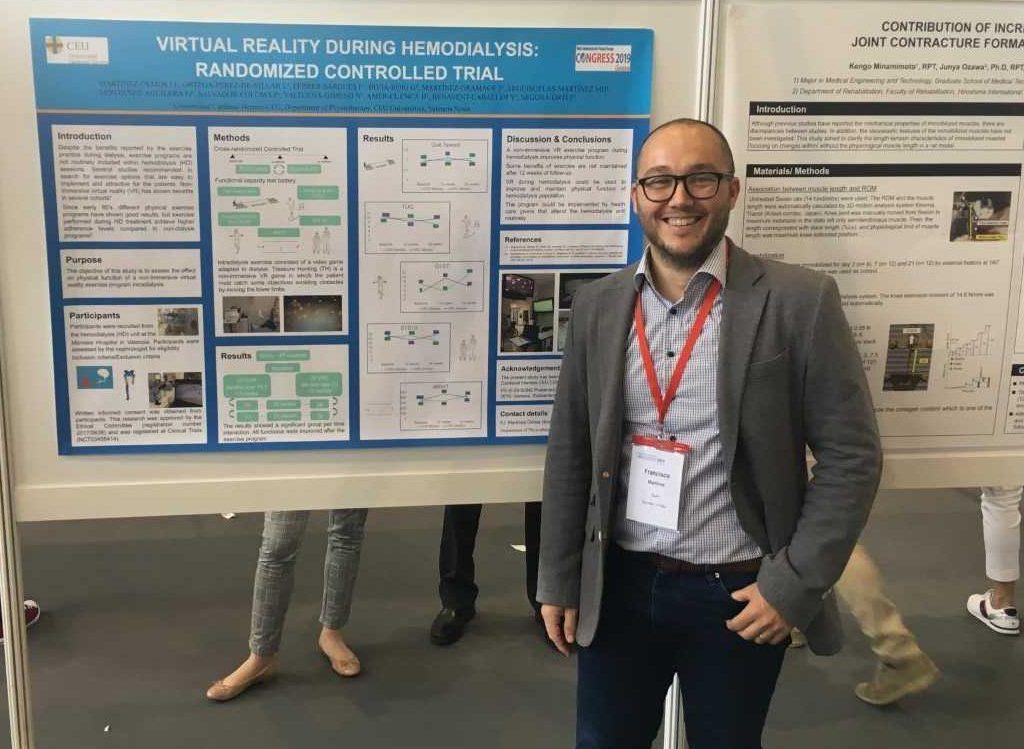 Habemus novum doctoratem... El profesor de Fisioterapia CEU-UCH, Paco Martínez Olmos, obtiene el grado académico de doctor.