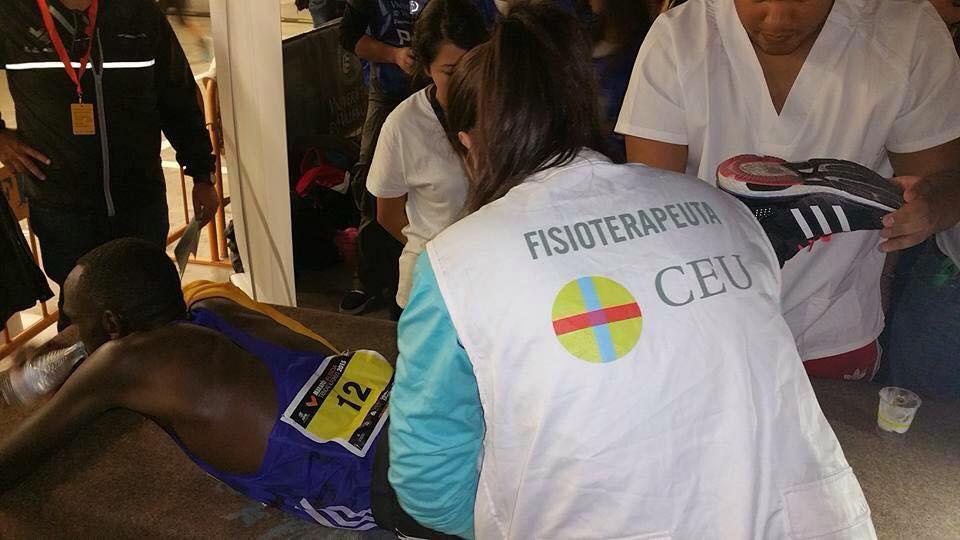 Estudiantes del Máster Universitario en Fisioterapia Deportiva en la carrera de Divina Pastora