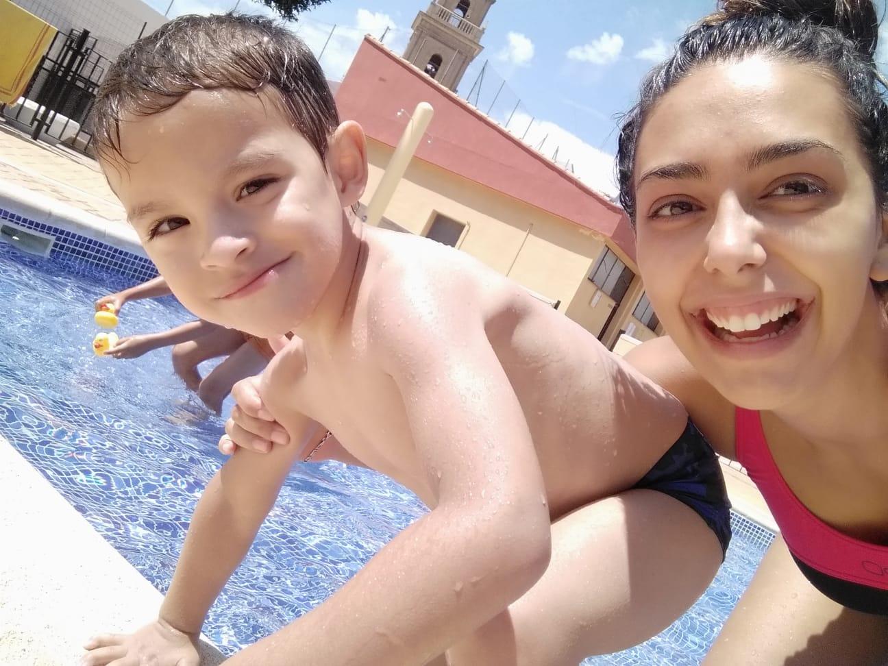 Adaptación y Fisioterapia. Beatriz Atienza con su maravilloso primo Martín