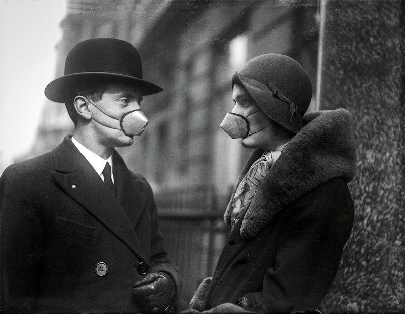 Invadir Polonia o mejorar la salud. Foto: mascarillas de la gripe española. Fuente: National Geographic