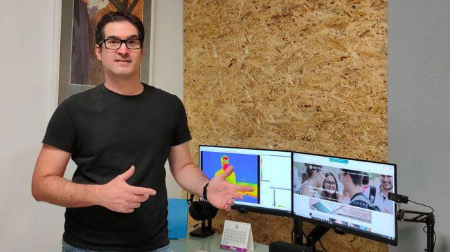 El profesor de Fisioterapia Francisco Javier Molina, experto en termografía aplicada