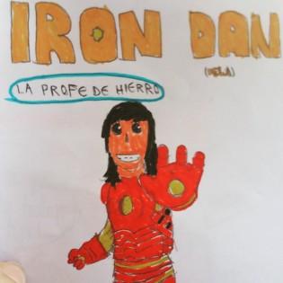 """Tus profes y compañeros de la  UCH-CEU, damos fe de que eres una """"chica de hierro""""."""