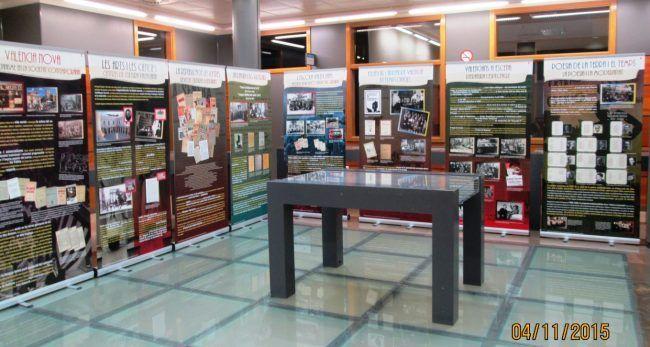 Exposició en la biblioteca de la UCHCEU a Alfara del Patriarca