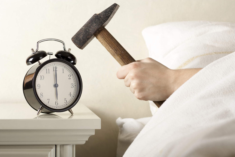 Consejos para empezar el semestre: el despertador tu amigo