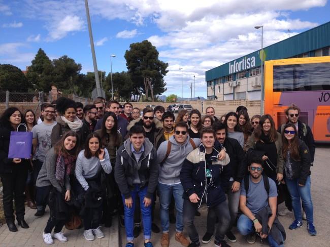 Alumnos visita puerto valencia