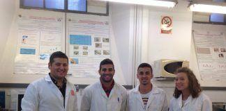 Estudiantes internacionales en el laboratorio de investigación