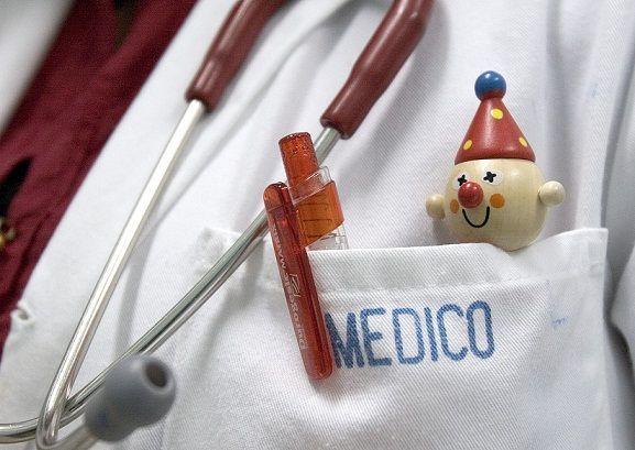 La relación médico paciente incluye una buena presencia según el ámbito clínico