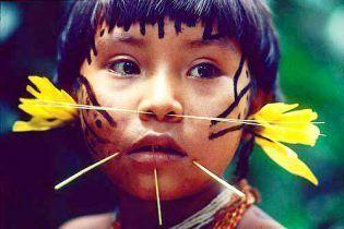 El pueblo Yanomami está formado por más de 20.000 individuos conocidos, pero esta pequeña aldea había permanecido desconocida para el mundo occidental hasta 2008