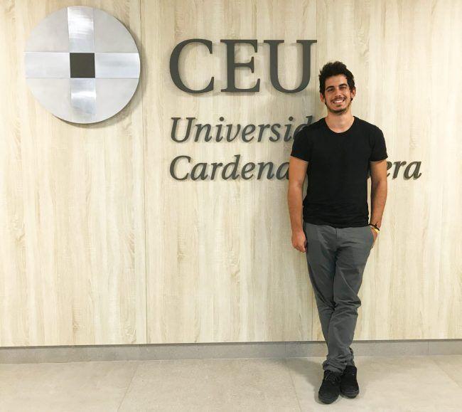 José Miguel Carricondo estudia Medicine en el campus de Valencia de la CEU UCH