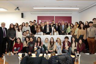 Foto de grupo de todos los asistentes
