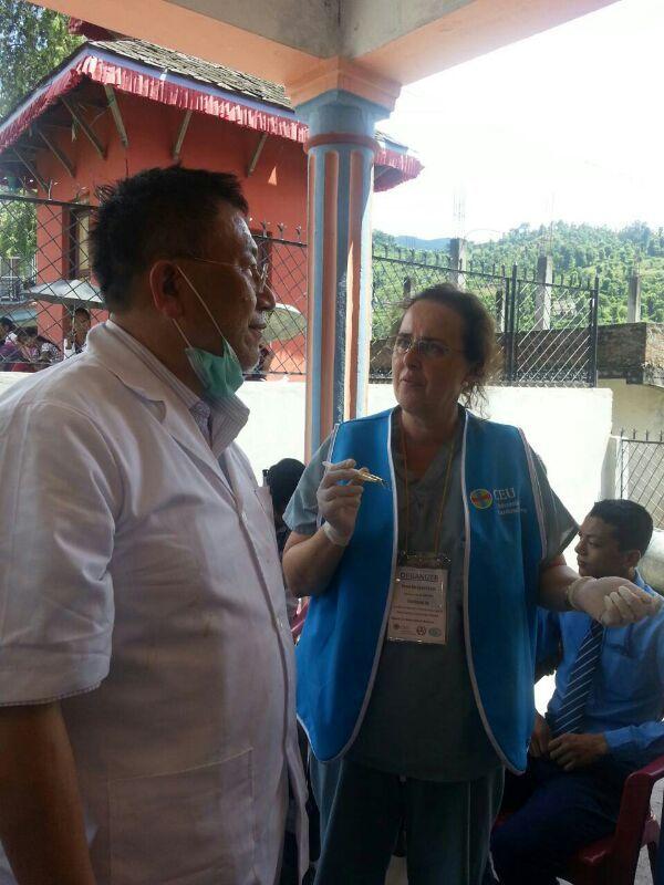 Con el Profesor Chen en Dhading