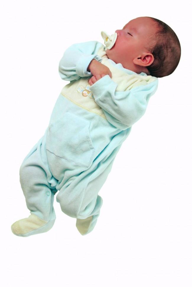 Foto bebe durmiendo con chupete
