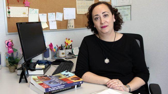 Verónica Veses, profesora de Microbiología en la CEU UCH