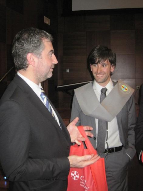 Daniel Valero, con el periodista Carlos Alsina, padrino de su promoción.