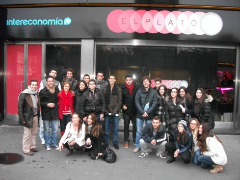 El grupo vio cómo se trabaja en los medios de Intereconomía