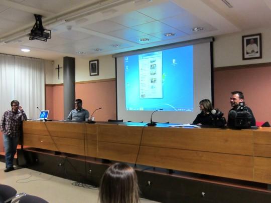 El equipo de Societat Anònima explicó el desarollo del programa en la UCH-CEU
