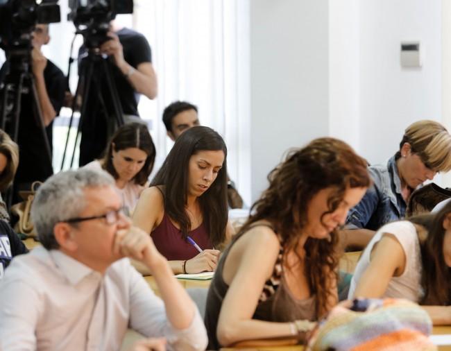 Rosana Belenguer en una rueda de prensa.