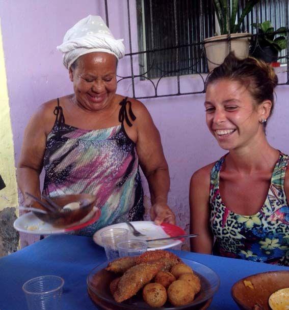 Salvador de Bahía - Favela Gamboa, aquí Suzana ofrece de comer lo más auténtico de Bahía
