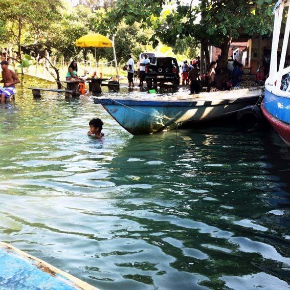 Isla de Itaparica – estado de Bahía. Las familias tienen baños a pie de casa