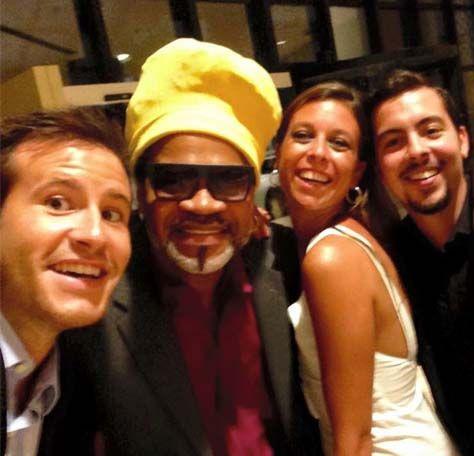 Salvador de Bahía – Hotel Sheraton. Los becarios tuvimos la suerte de coincidir con la organización de la Fiesta Nacional y recibir a un invitado de honor, Carlinhos Brown