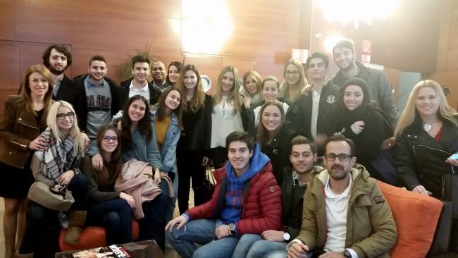En la visita han participado alumnos de 3º y 4º del Grado en Periodismo.