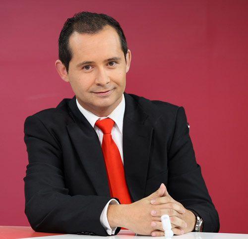 Iván se licenció en Periodismo en la CEU-UCH.