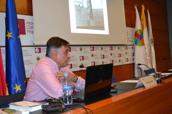 Gervasio Sánchez impartió una conferencia y mostró parte de su trabajo.