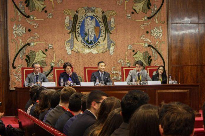 Ceremonia de apertura de UNMUN presidida por el Embajador de Corea del Sur en España.