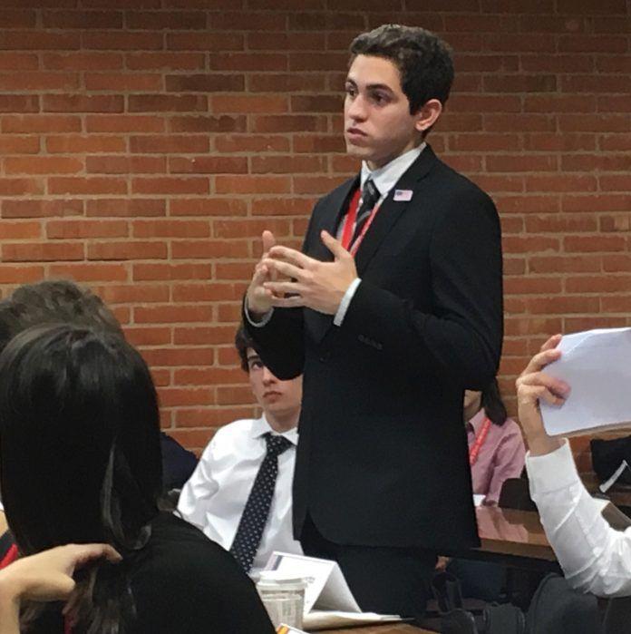 Tomás Alassia, interpretando a Estados Unidos en la Asamblea General.