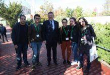 Los alumnos de la CEU-UCH conversaron con el president, Ximo Puig.