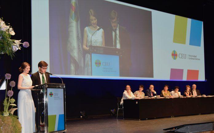 Esperanza y Jaime pronunciaron el discurso de Periodismo en la Graduación CEUUCH