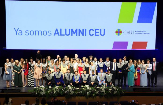 Graduados en Periodismo, promoción 2014-2018