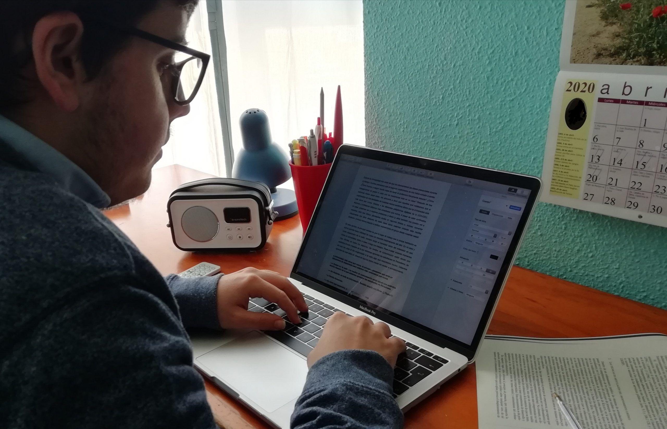 Ramón Pérez es un apasionado de la radio.