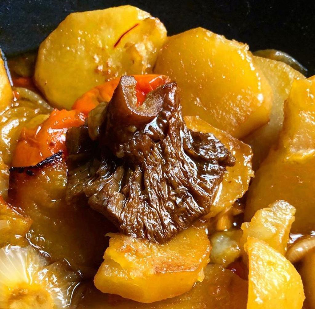 Cristina Iglesias es una amante de la cocina. Patatas con níscalos.
