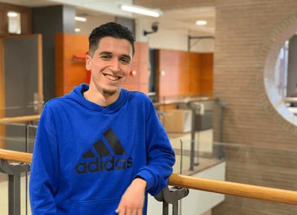David Gómez estudia 4º curso de Periodismo y el título de Experto en Periodismo Deportivo en la UCHCEU.