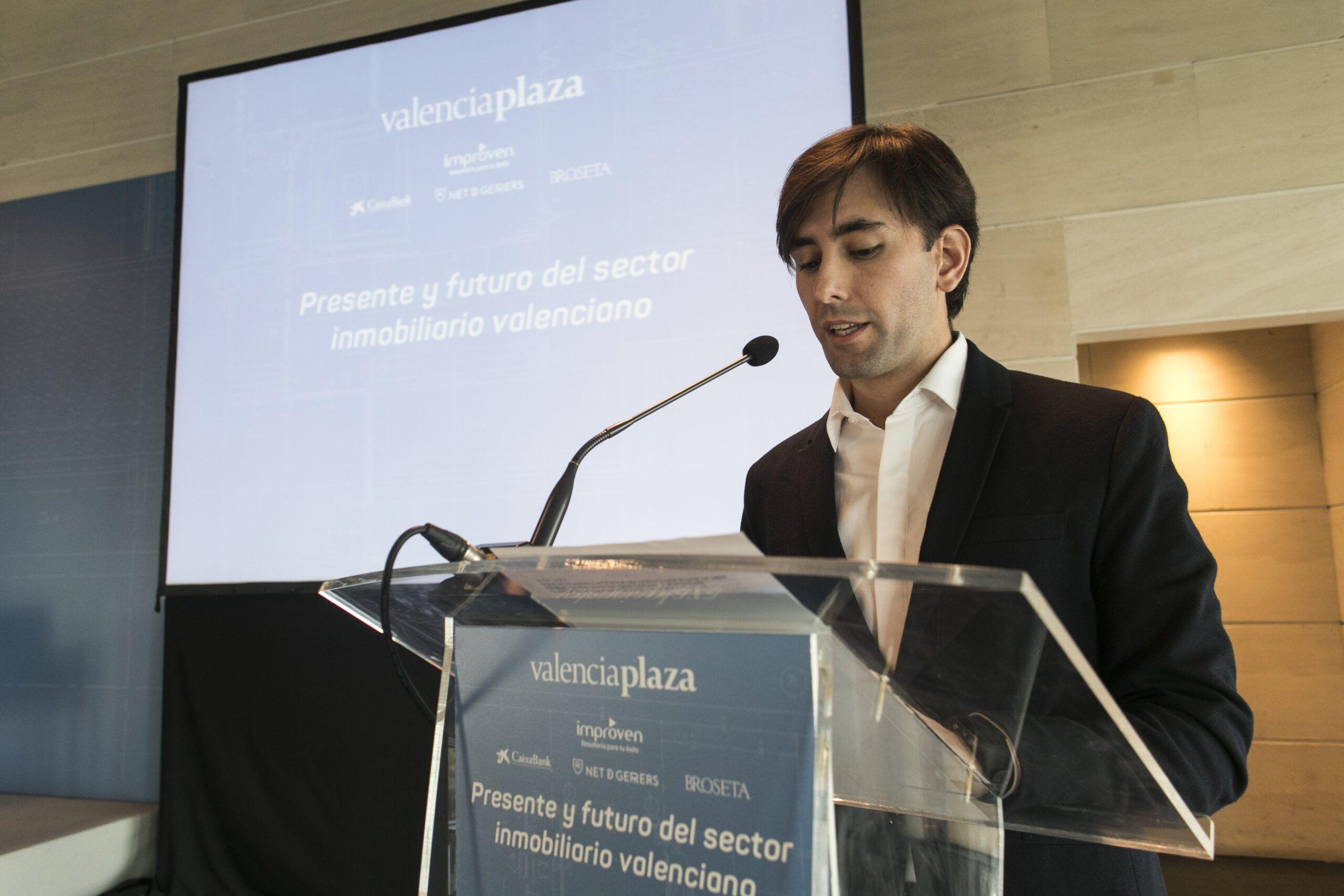 Dani Valero trabaja para el crecimiento de El Español.