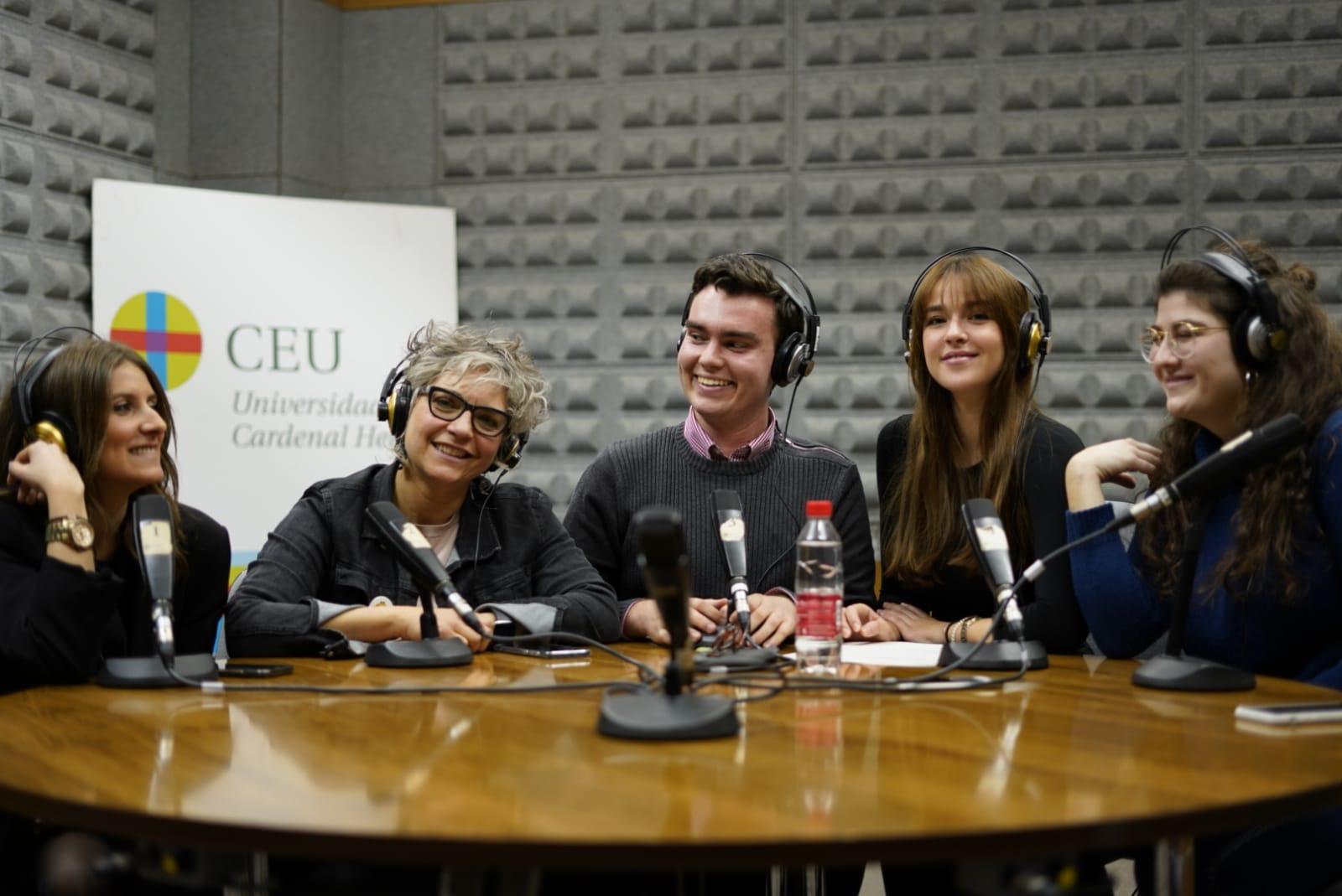 Eva Andreu ha participado en todos los medios de la Universidad.