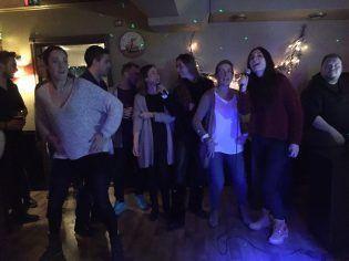 El grupo español en la farewell party en Virrat.
