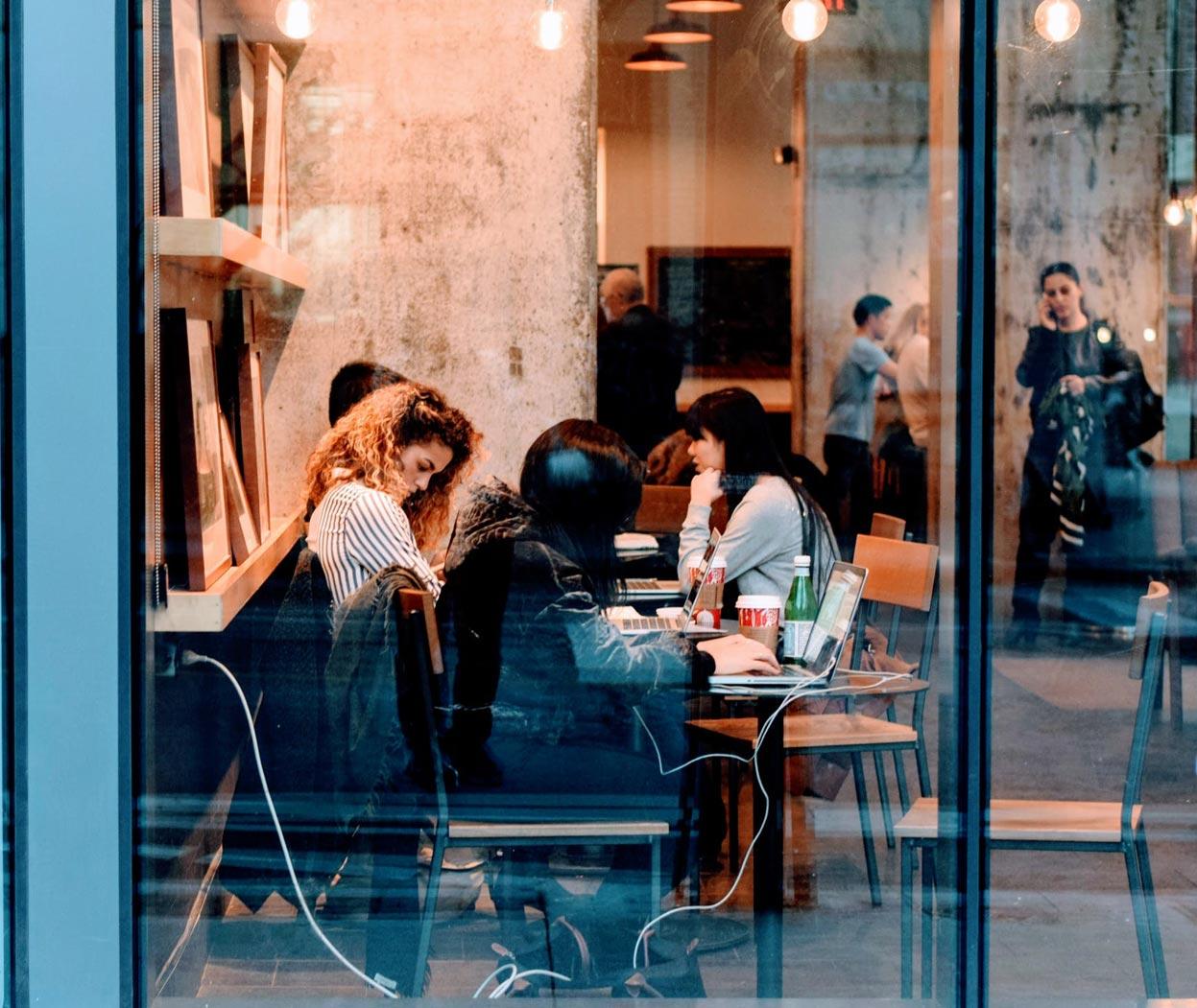 Coolhunter es una de las profesiones asociadas a la comunicación de moda