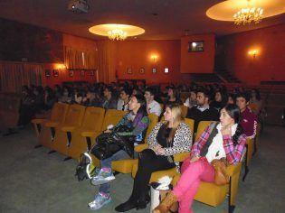 Durante la conferencia en el CEMILVET